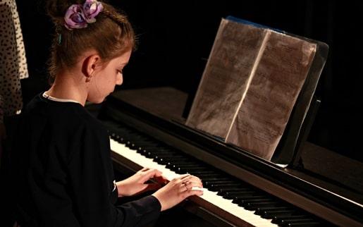 Cursuri de pian - Scoala de Muzica Bravisismo