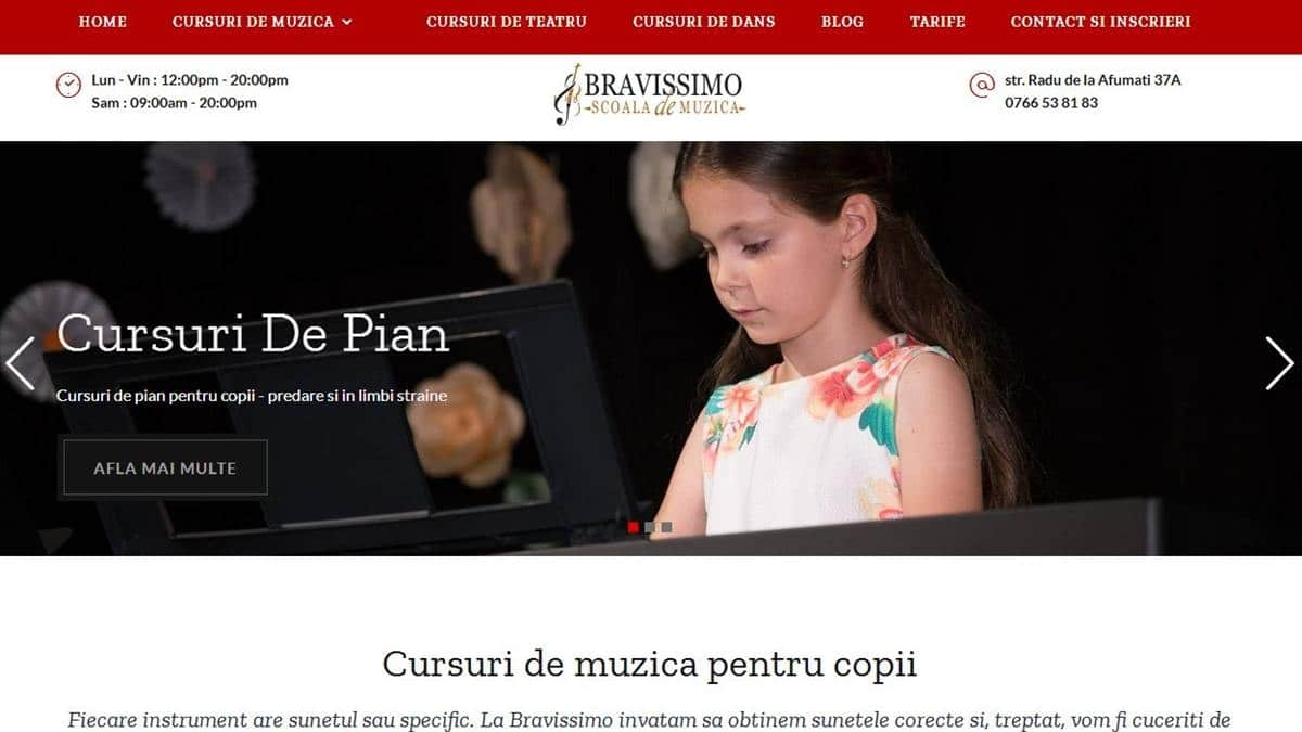 Website Bravissimo in haine noi